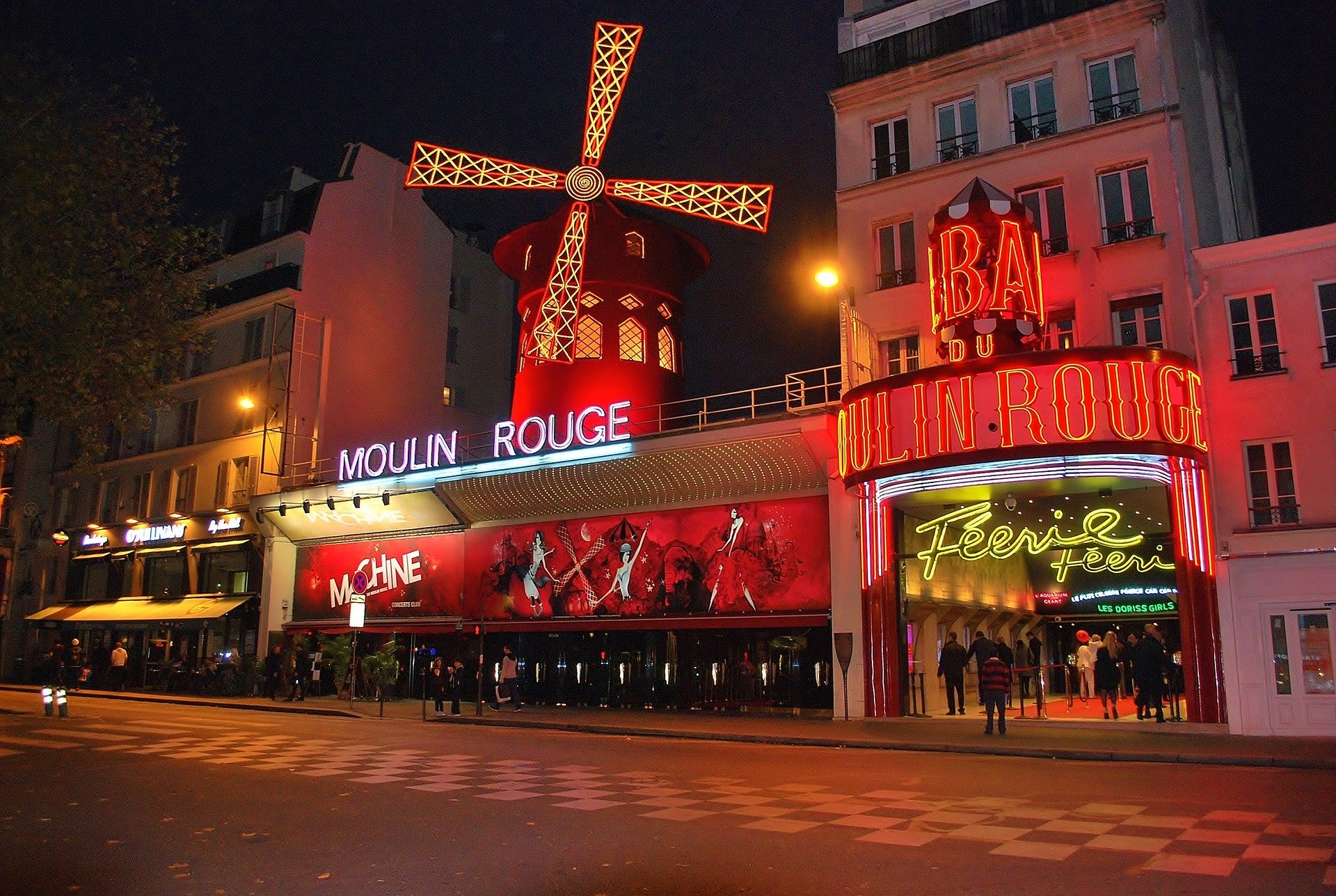 531/moulin-rouge-1050325_1920.jpg